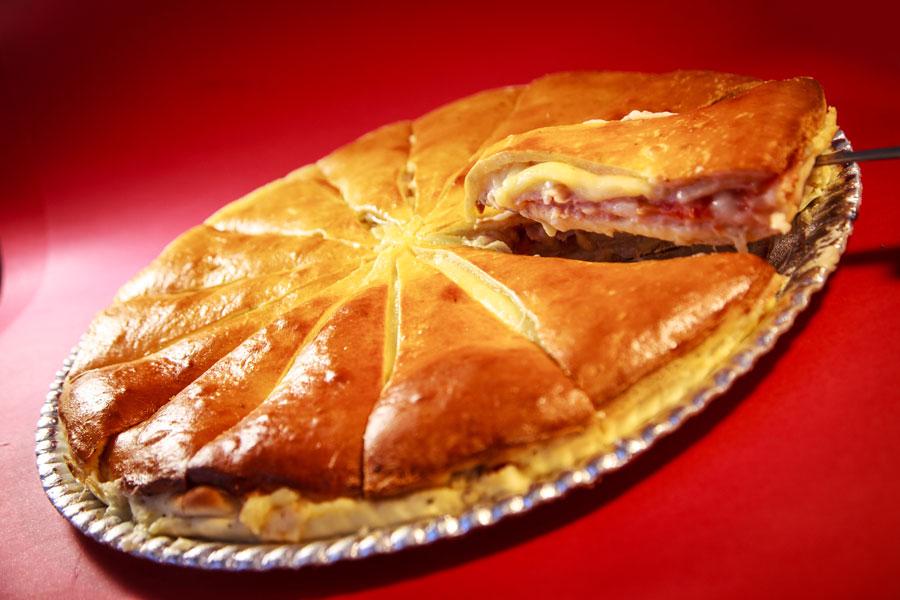 Torta-da-Lu-sabores--frango-lombo-com-catupiry--presunto-e-quiejo---peito-de-peru